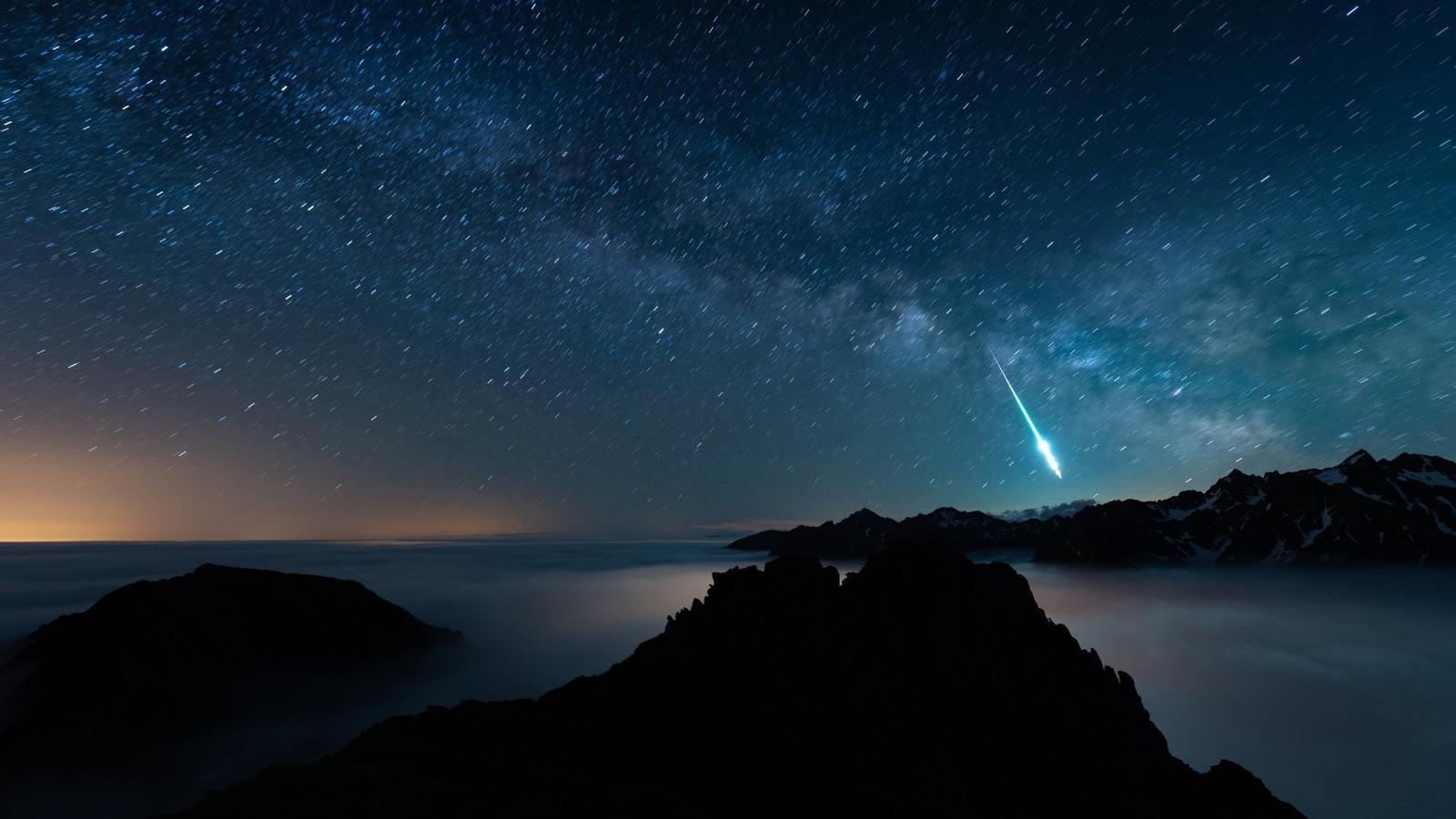 L'enorme bòlid d'aquesta nit podria haver produït meteorits