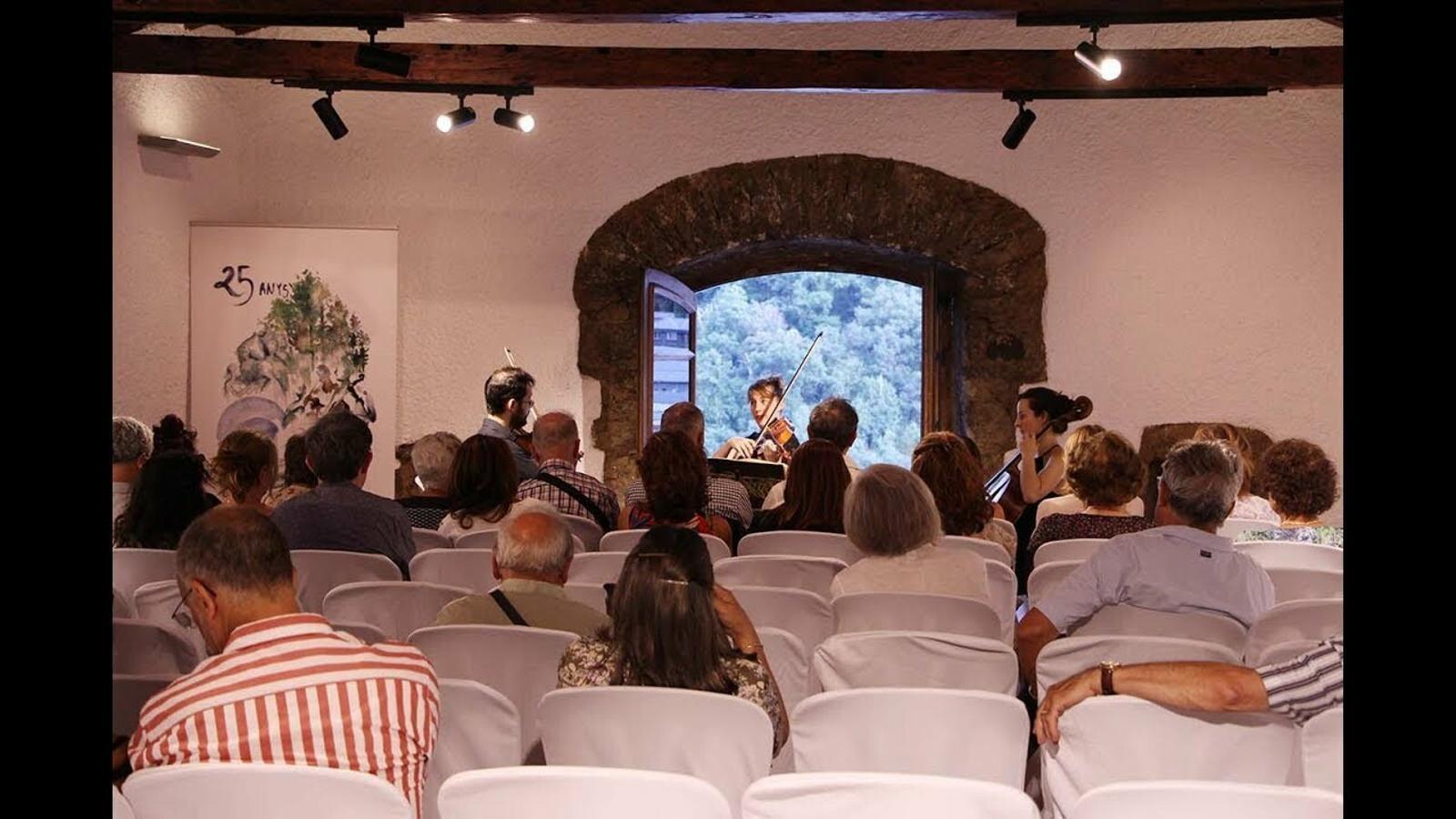 Actuació del Trio Goldberg a Casa de la Vall