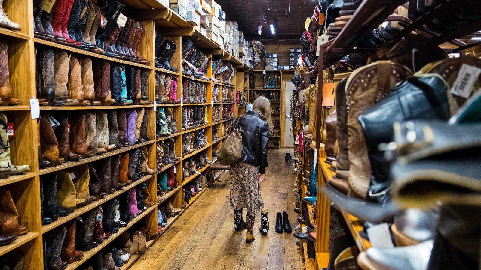 A Austin s'hi poden trobar també botigues de tota la vida, com la increïble botiga de botes de cowboy Allens Boots