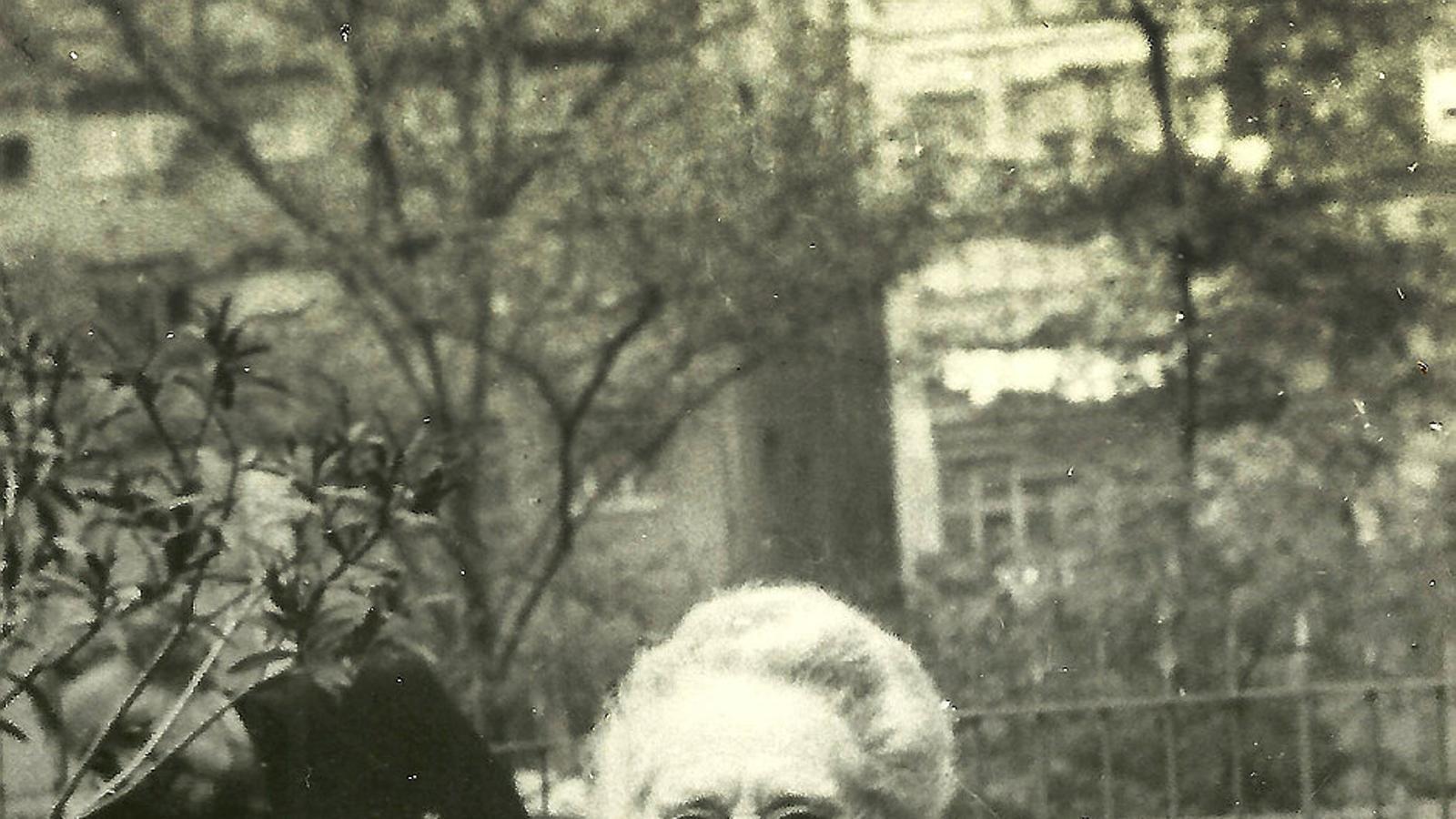 Víctor Català (Caterina Albert), fotografiada el 1950, any que va publicar el seu últim llibre de contes, Jubileu.