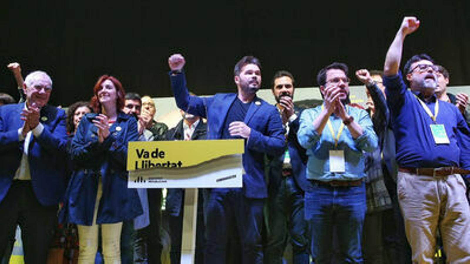 Esquerra guanyaria les eleccions a Catalunya i revalidaria la victòria als comicis espanyols