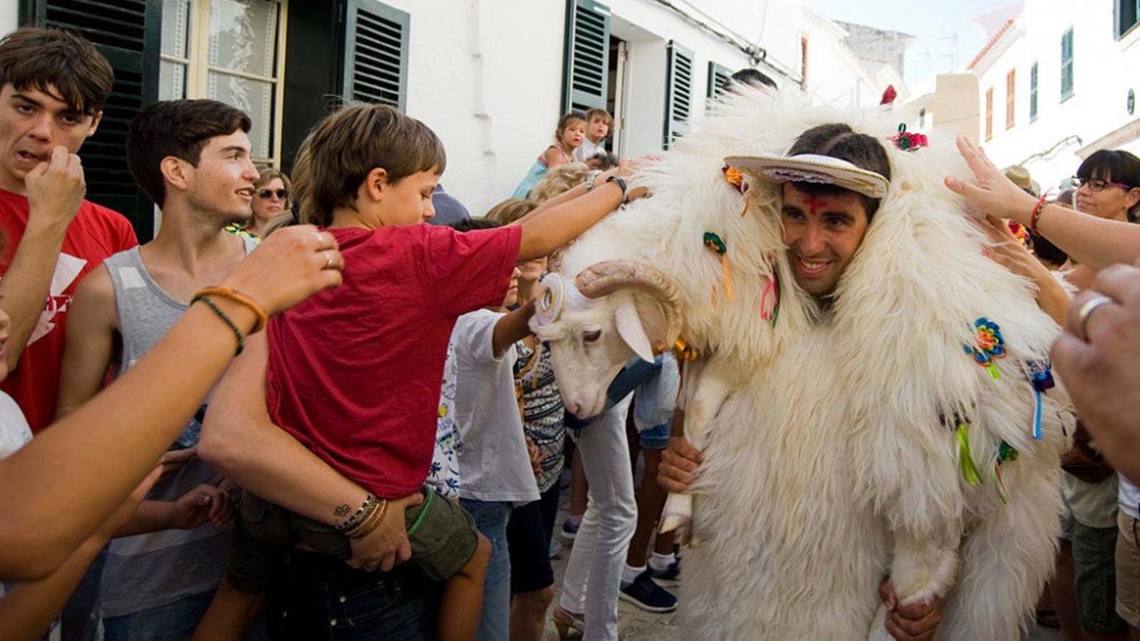 Ciutadella dona la Benvinguda a Sant Joan
