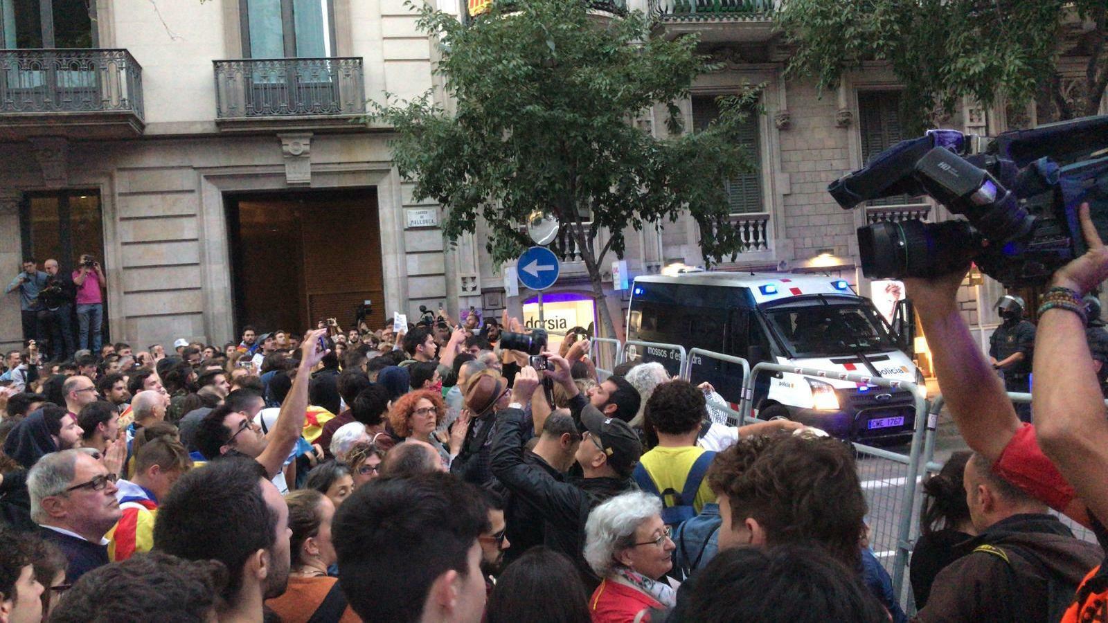 Concentració davant la delegació del govern espanyol