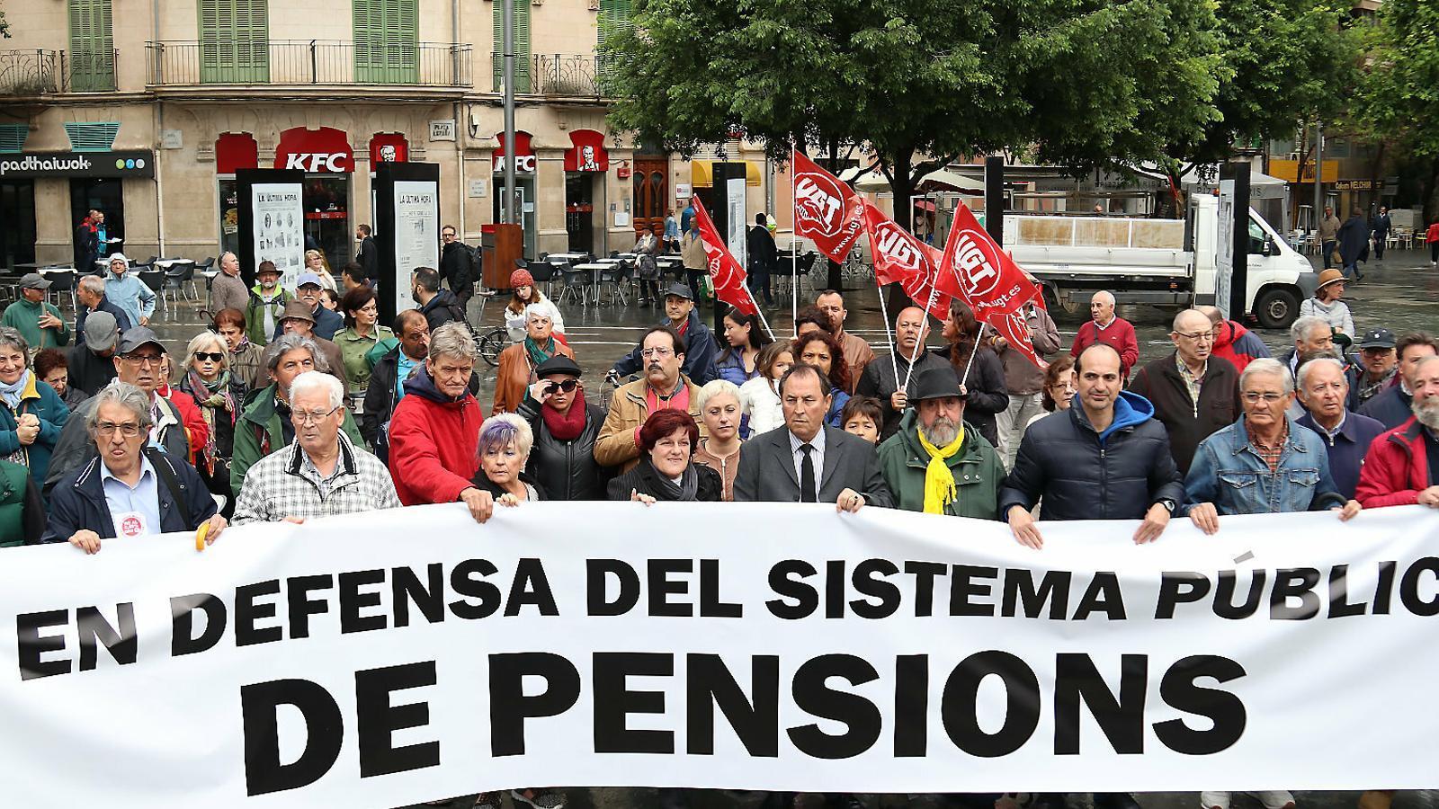 Una manifestació a Palma en defensa de les pensions públiques