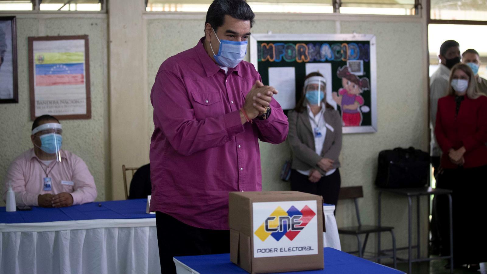 Maduro només aconsegueix que voti el 31% dels veneçolans en unes eleccions boicotejades per l'oposició