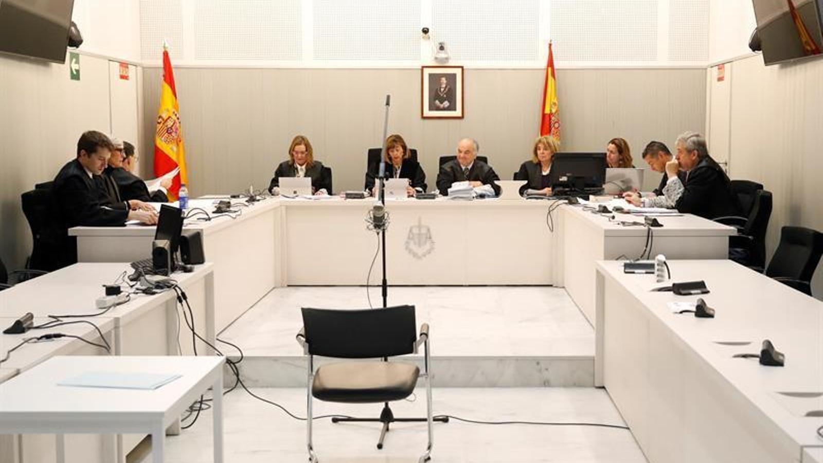 """La Fiscalia de l'Audiència Nacional qüestiona la """"imparcialitat"""" dels tribunals catalans i després rectifica"""
