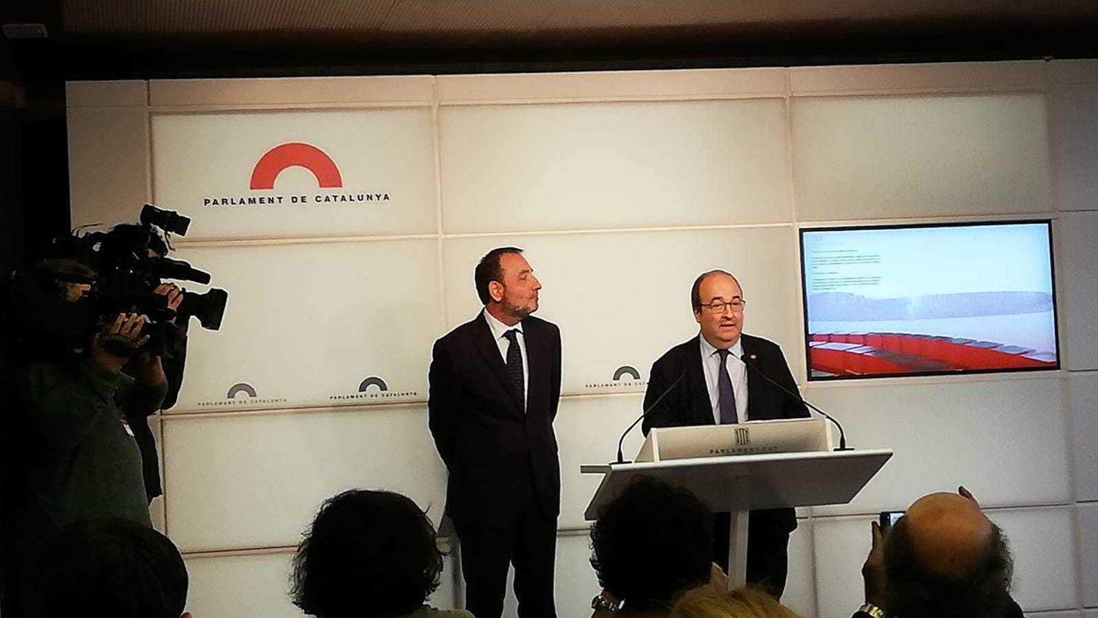 El primer secretari del PSC, Miquel Iceta, i el diputat i líder d'Units per Avançar, Ramon Espadaler, aquest dijous en roda de premsa