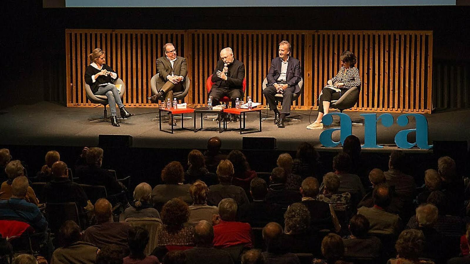 Ernesto Ekaizer presenta el llibre 'Cataluña. Año cero'