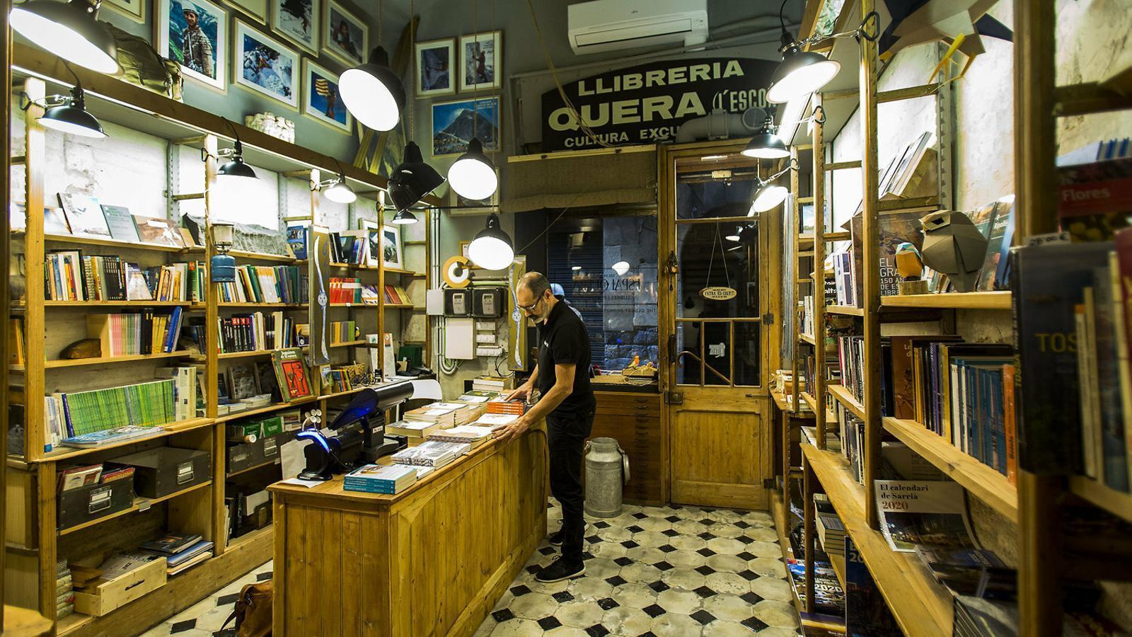 L'Espai Quera, on hi havia la tradicional Llibreria Quera i  ara també incorpora un espai de degustació.