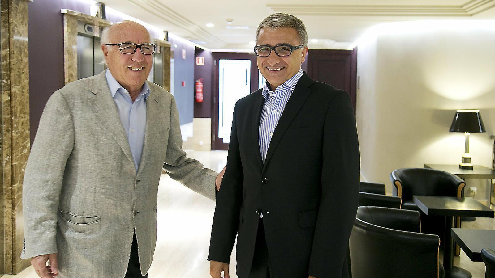 Joan Molins i Julio Rodríguez, president i conseller delegat, defensen que Molins ha de tenir la seu a Madrid.