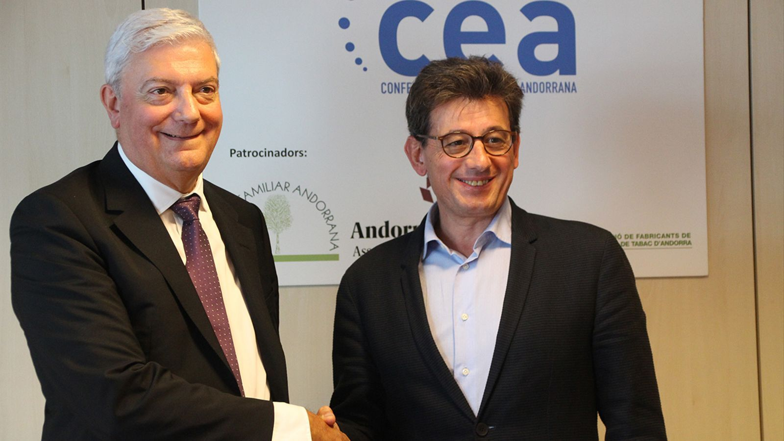 El nou president de la CEA, Gerard Cadena i l'expresident Xavier Altimir.