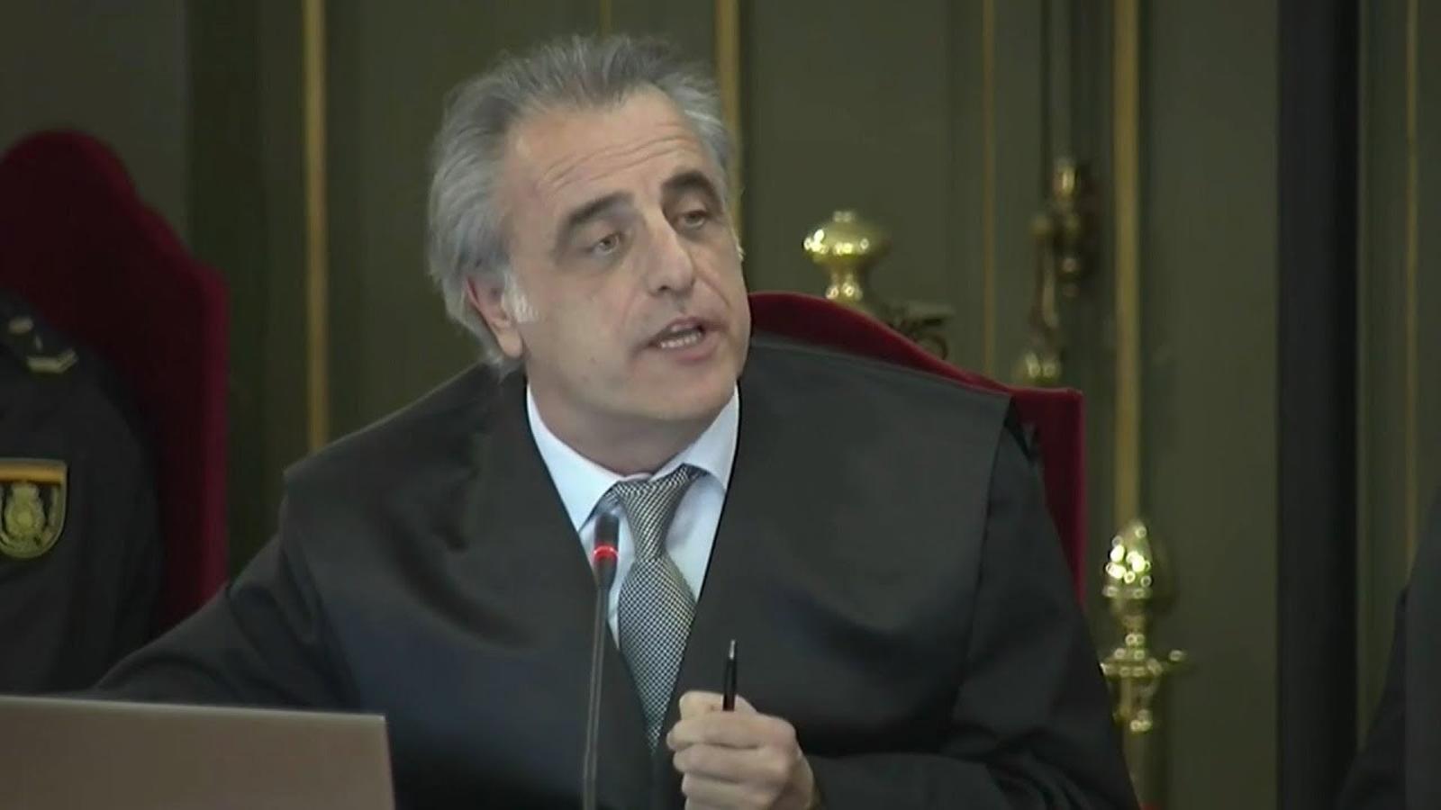 """Pau Molins, advocat de Santi Vila: """"El dia que es va fer la DUI, Santi Vila havia dimitit de les seves funcions de conseller"""""""