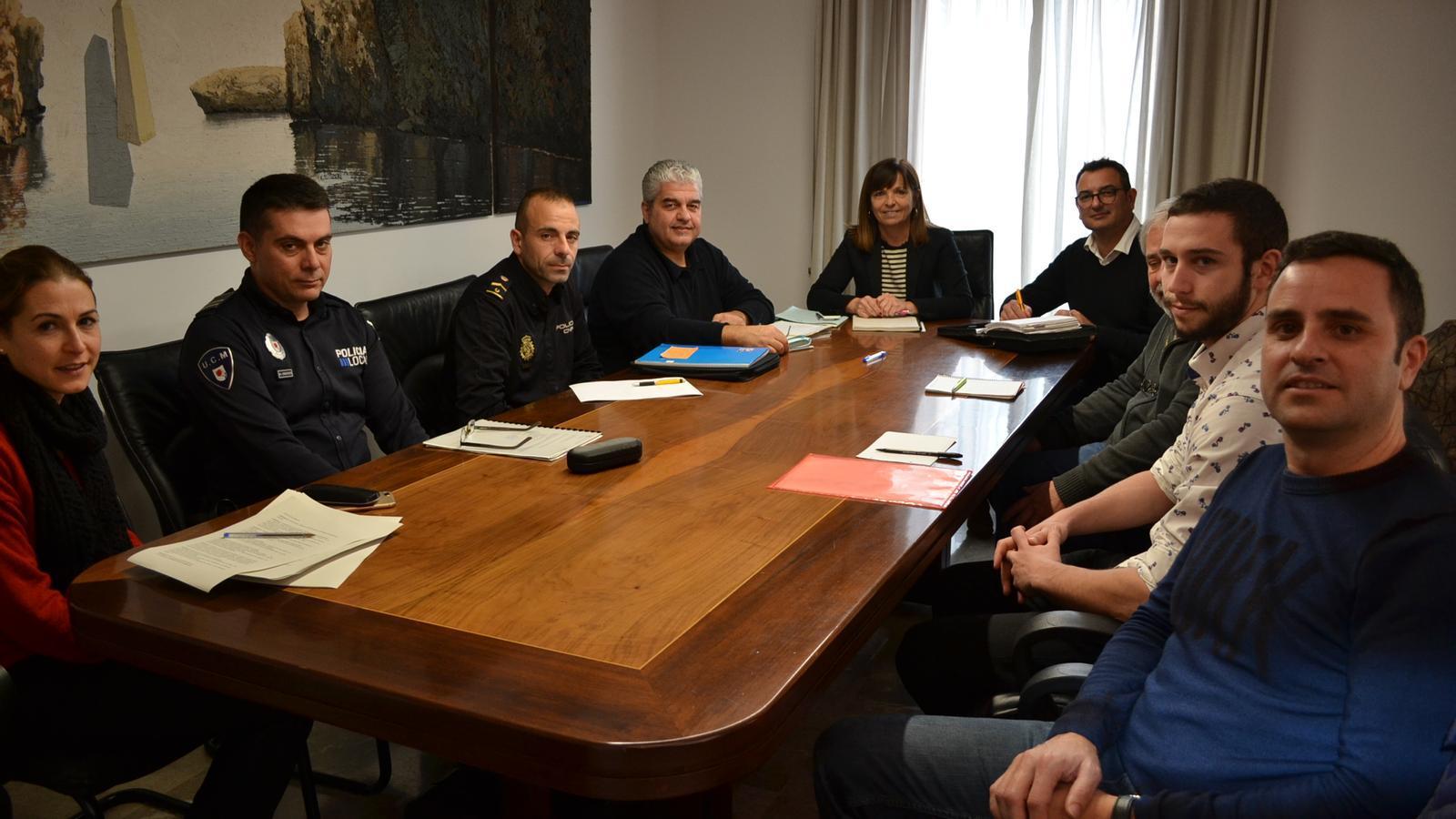 Imatge de la reunió a Batlia per preparar la seguretat durant el proper Sant Antoni.