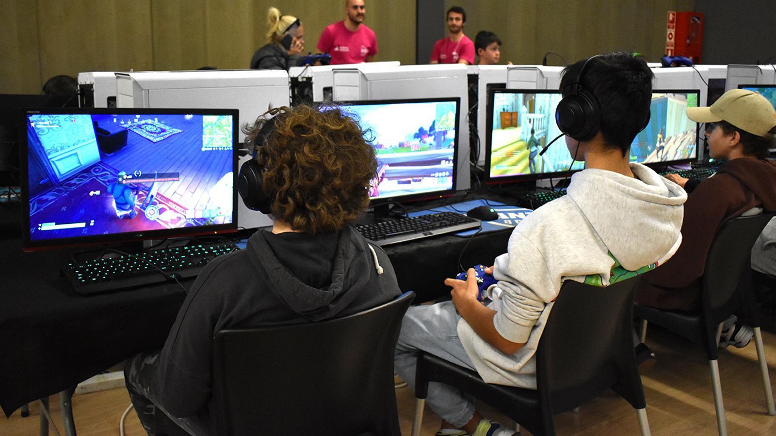 Jugadors al Saló del videojoc. / M. F. (ANA)