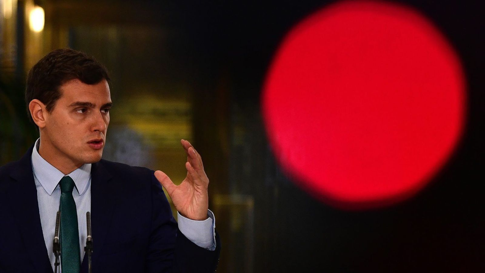 El líder de Ciutadans, Albert Rivera, durant la compareixença de premsa posterior a la reunió amb el president del govern espanyol en funcions, Mariano Rajoy.