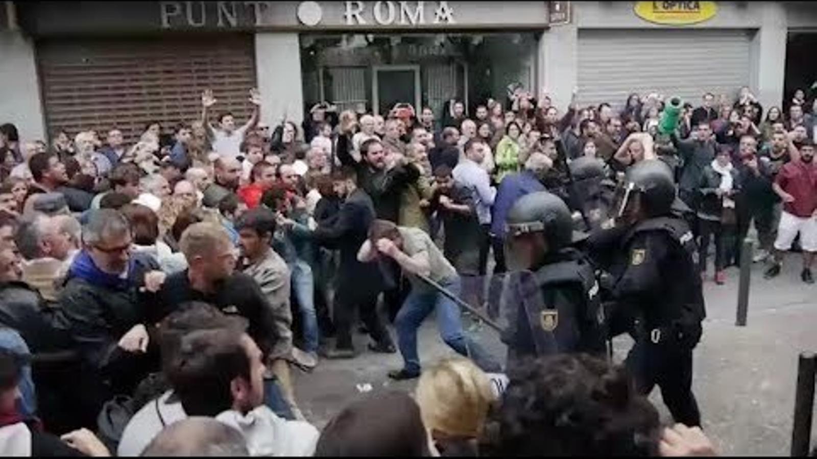 Vídeo de Human Rights Watch sobre les càrregues policials de l'1-O