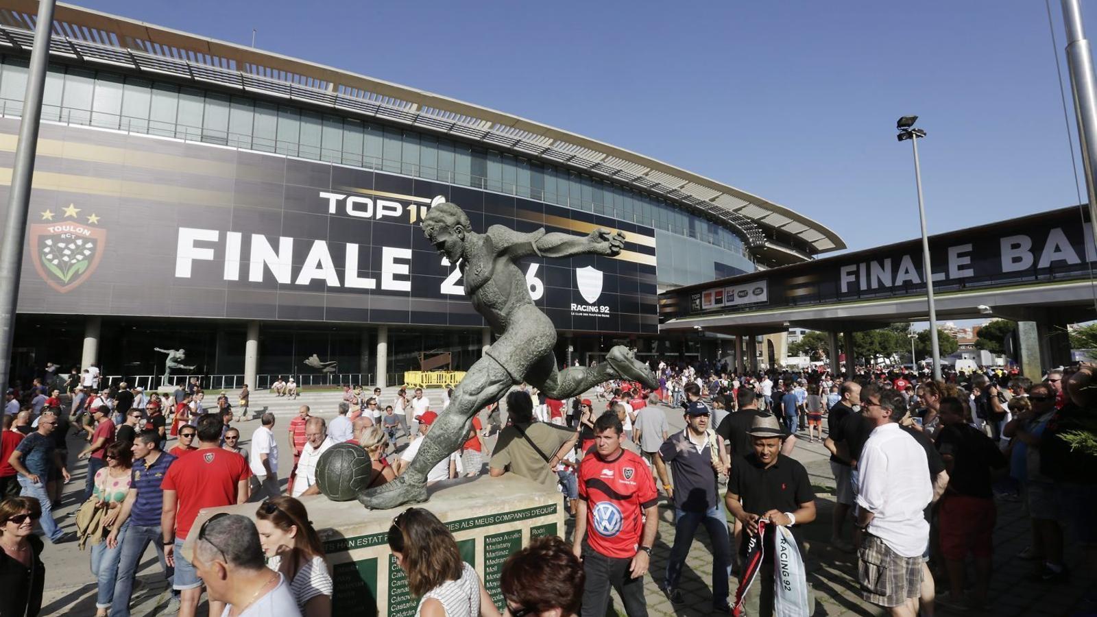 Més de 90.000 francesos van assistir a la final entre el Toló i el Racing de París la temporada passada.