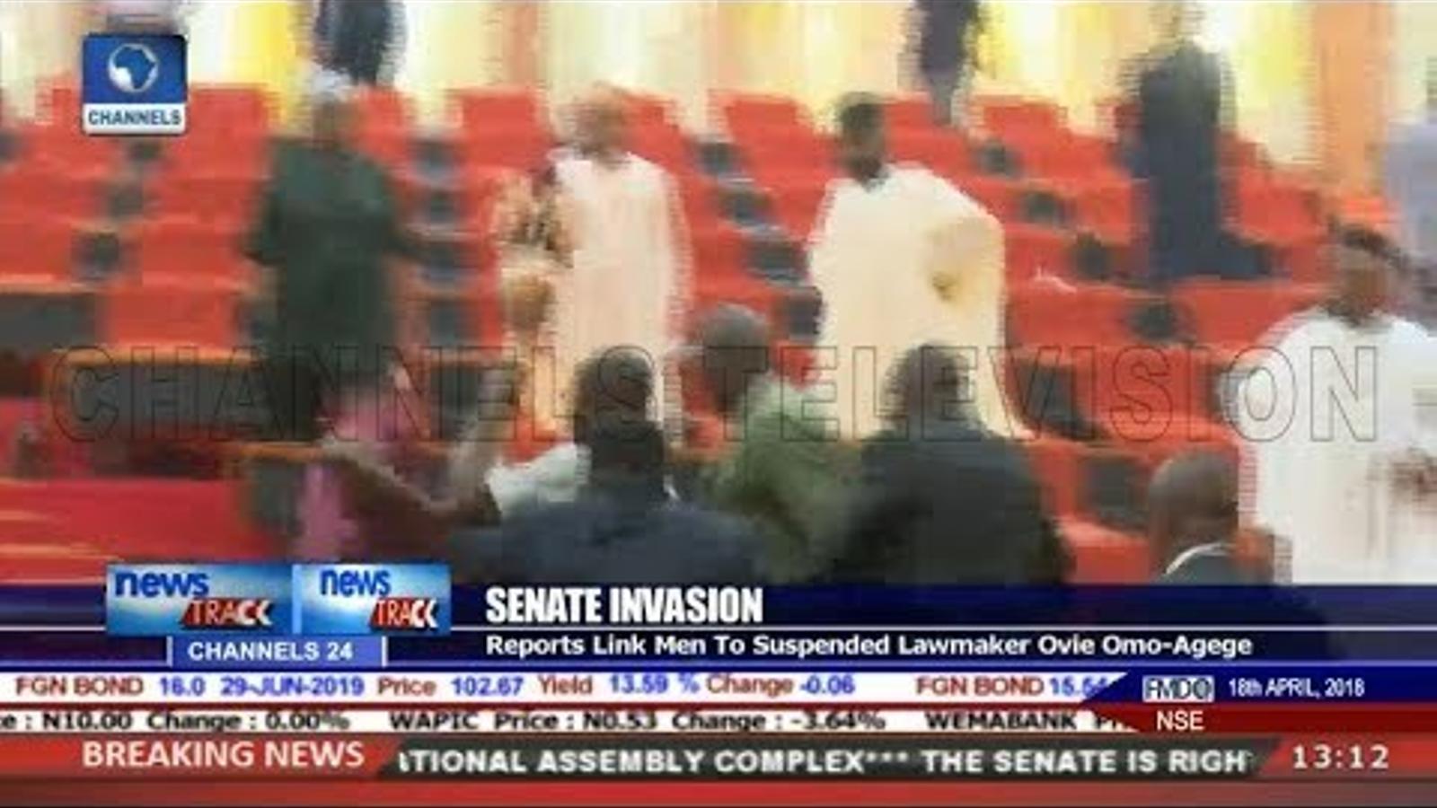 Batalla campal al Senat de Nigèria.