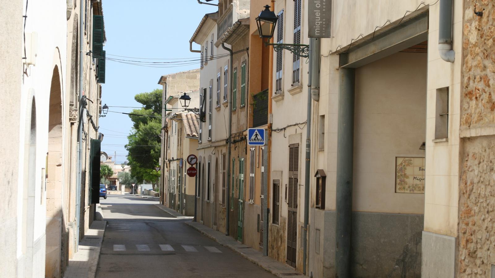 El carrer Font, en el centre de Petra.