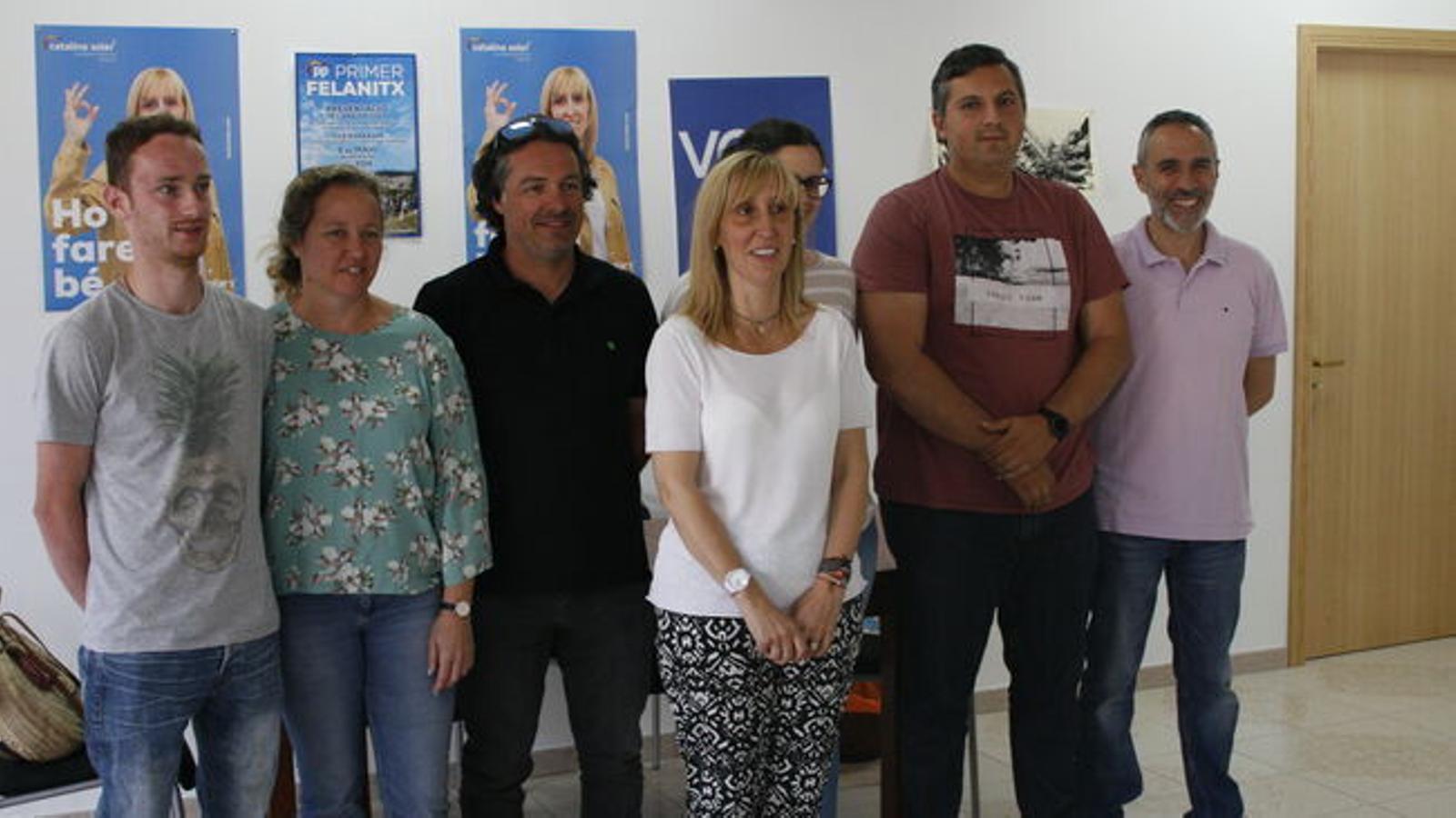 El grup municpal d'El PP durant la roda de premsa. / M. BARCELÓ