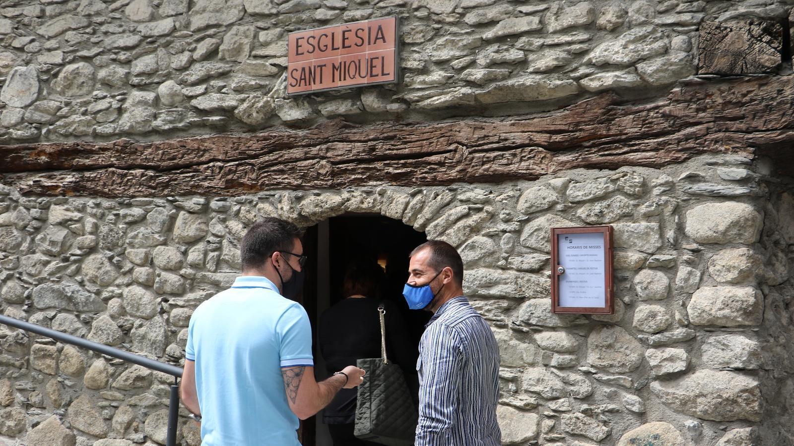 El conseller de reactivació Econòmica i Turisme, Josep Maria Marot i el conseller de Cultura i Afers Socials, David Cruz, entrant al museu Casa Cristo. / E.C. (ANA)