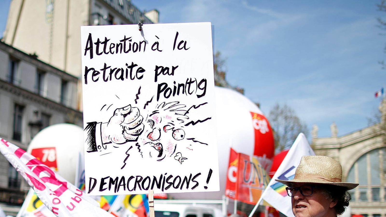 França prepara un nou sistema de pensions per punts