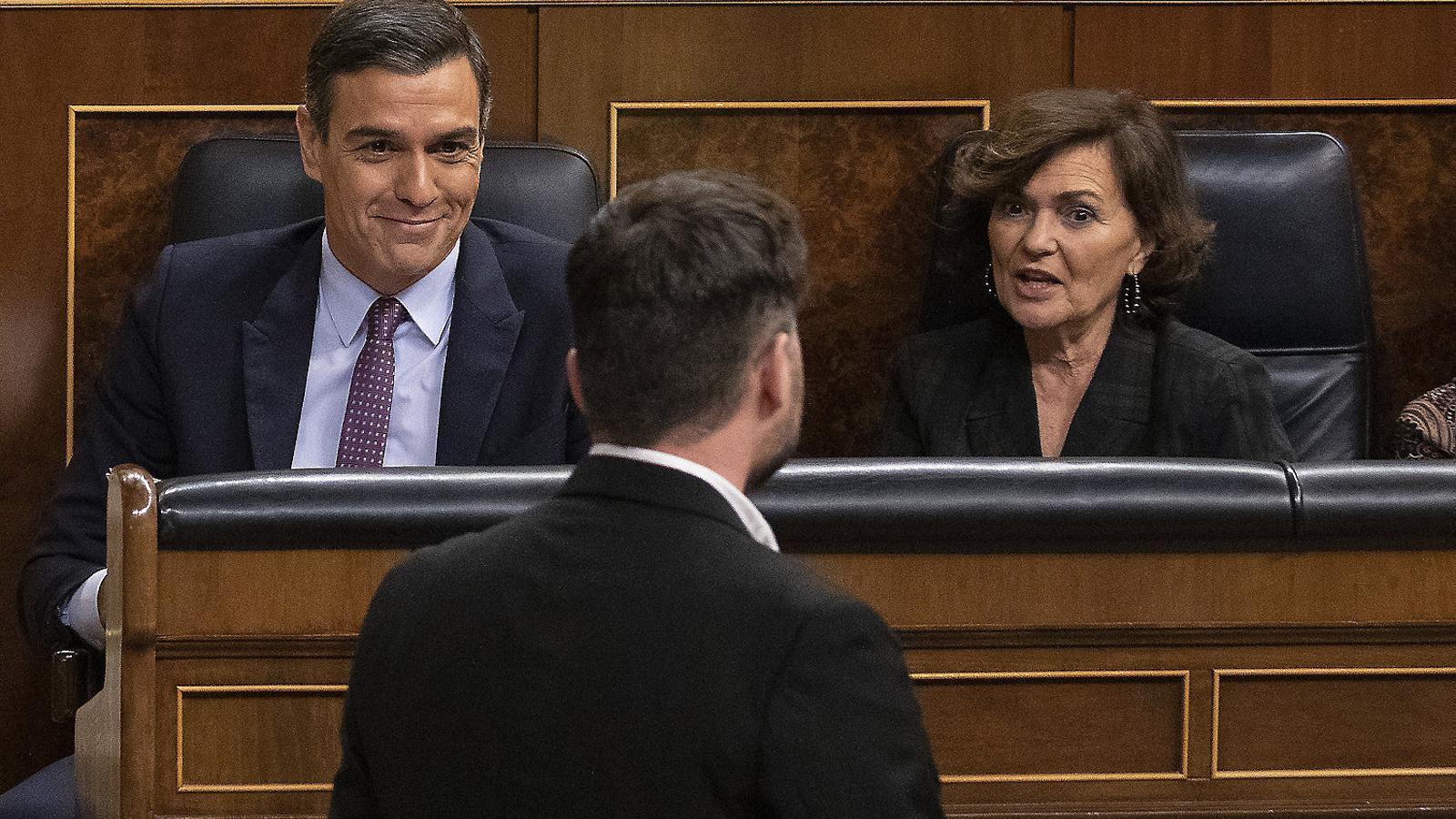Pedro Sánchez, Carmen Calvo i Gabriel Rufián durant el ple d'investidura del gener d'aquest any.