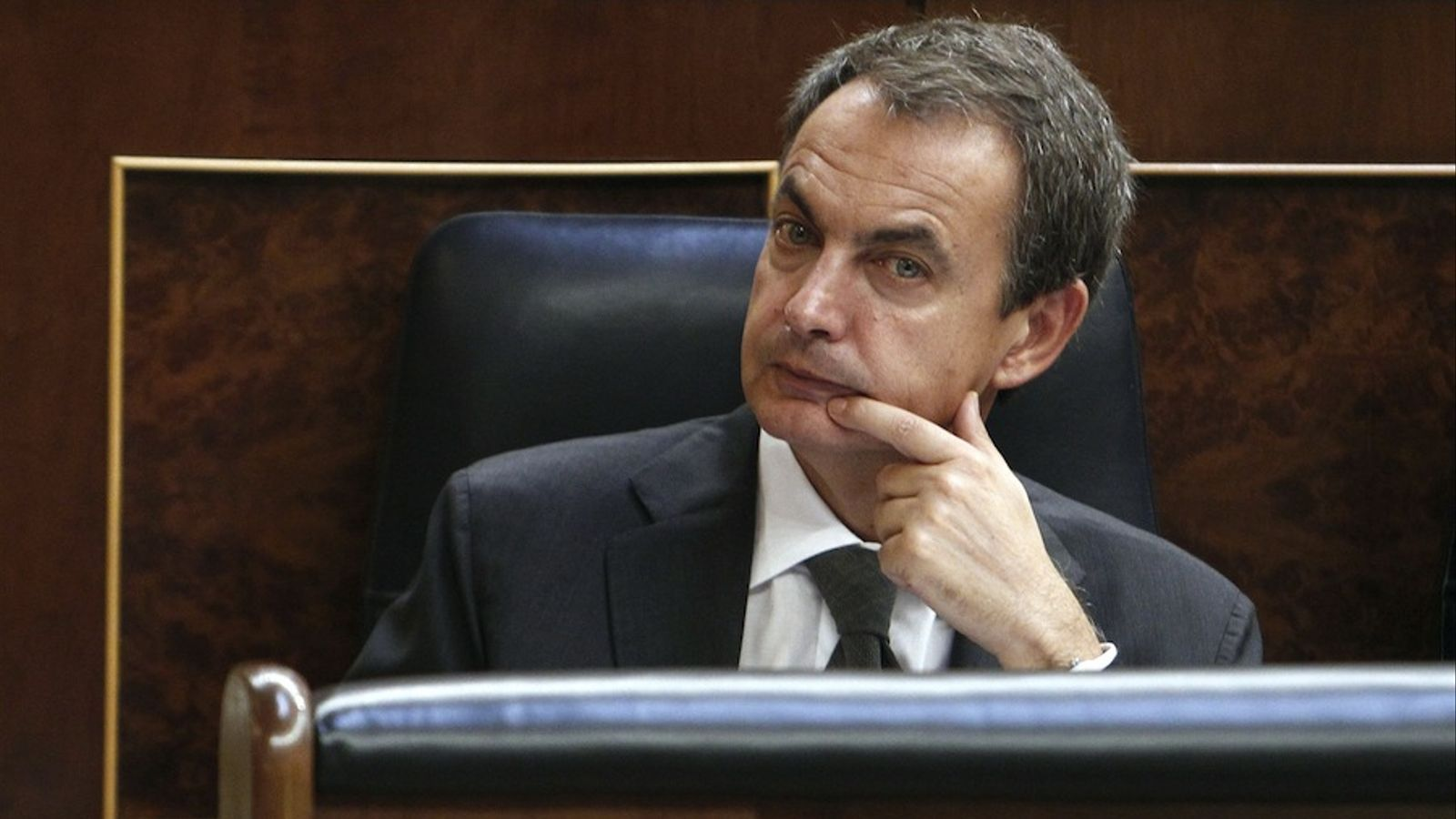 Zapatero dirà avui que les eleccions generals s'vançaran al 20-N / EFE