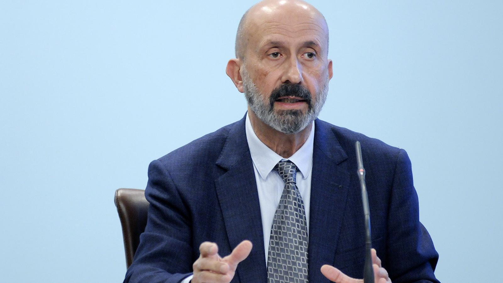 El ministre de Salut, Joan Martínez Benazet, durant la roda de premsa d'aquest dilluns. / SFG