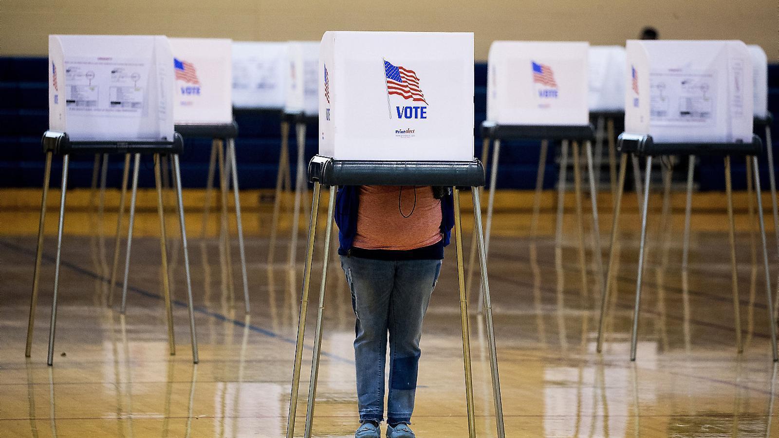 Donald Trump vs. Joe Biden: les eleccions més incertes i tenses