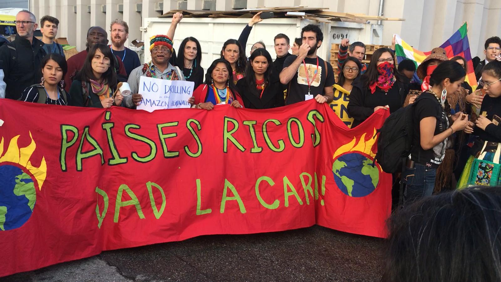 Expulsen de la COP25 una manifestació d'activistes climàtics i indígenes