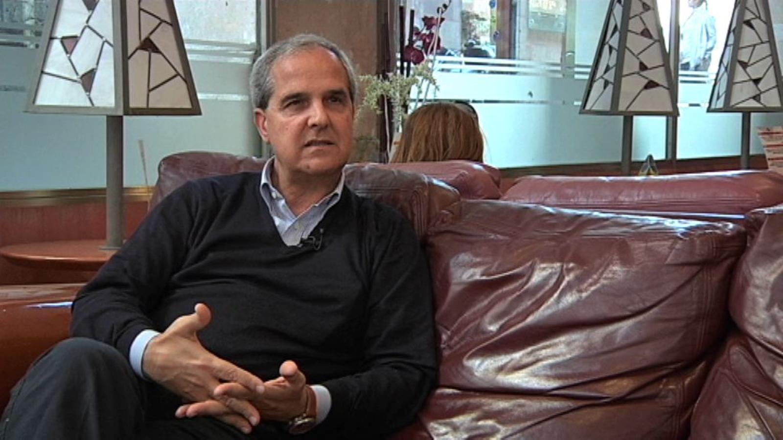 Miquel Serra, periodista a l'Alguer: L'alguerès està influenciat pel sard i l'italià, però manté la salut