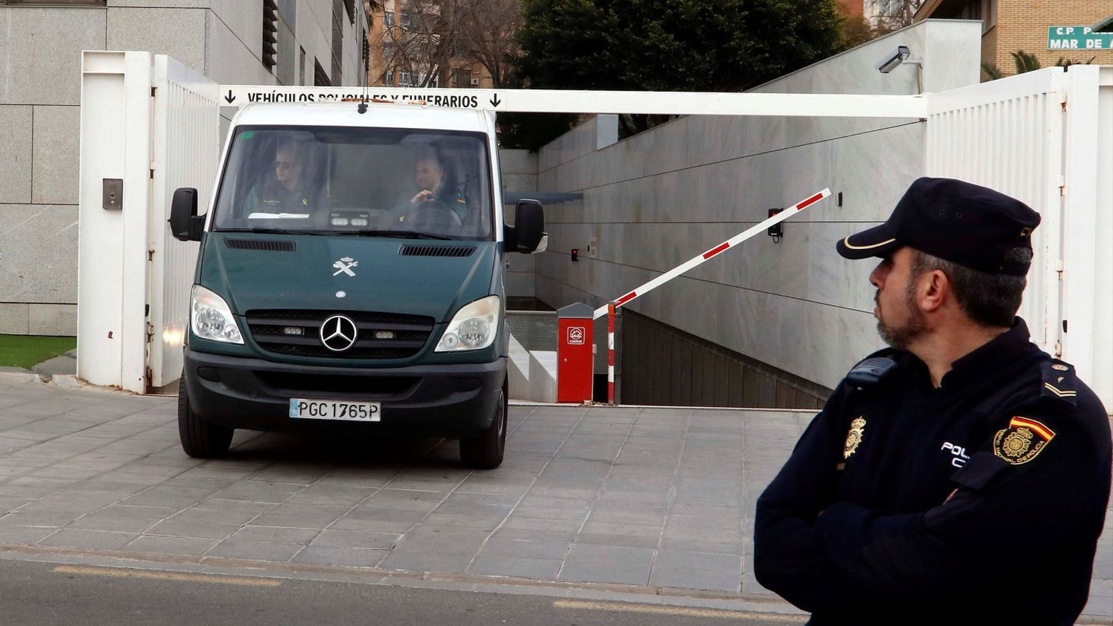 Un furgó policial va traslladar ahir a primera hora de la tarda Ana Julia Quezada a la presó  de l'Acebuche, a Almeria.