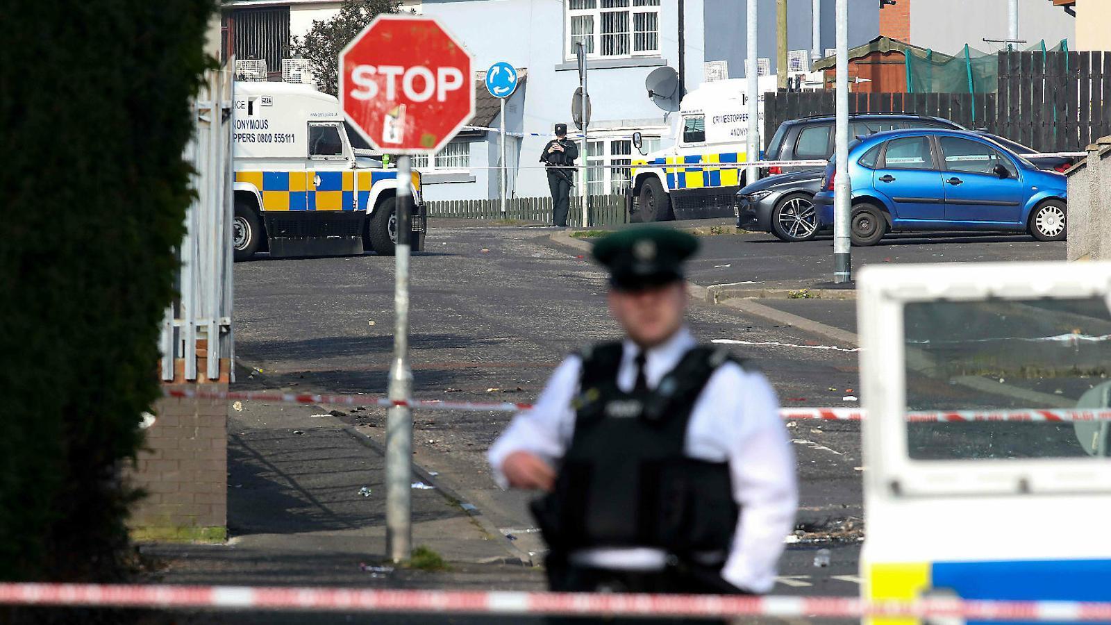 Mor una periodista a Derry en una nit de violència a l'Ulster