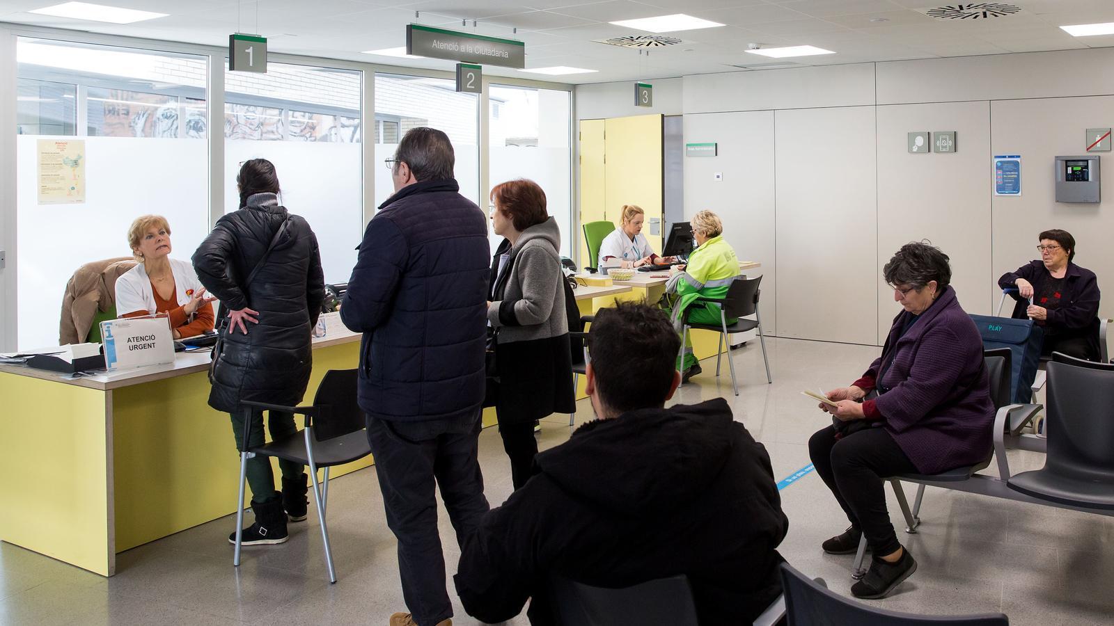 Atenció a usuaris del CAP Roger durant el brot de coronavirus a Barcelona, Catalunya