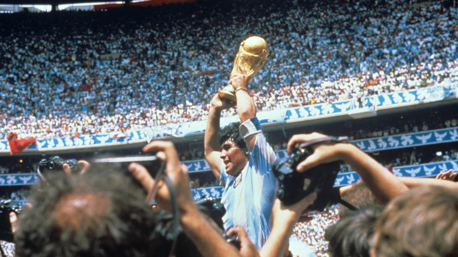 """""""Eternes gràcies"""": El món de l'esport plora la mort de Diego Armando Maradona"""