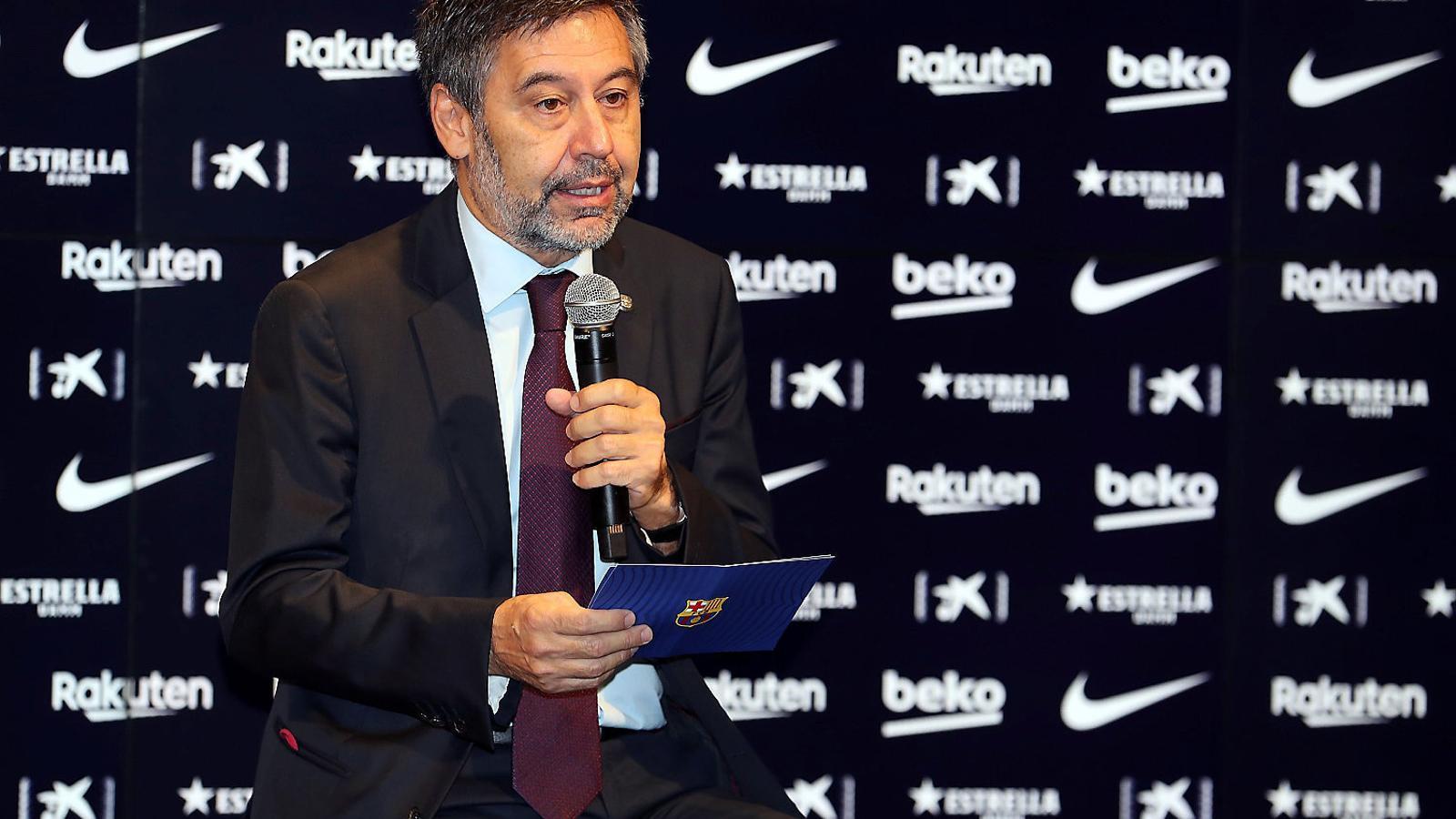 Bartomeu parla a la sala de premsa del Camp Nou, en una compareixença recent.