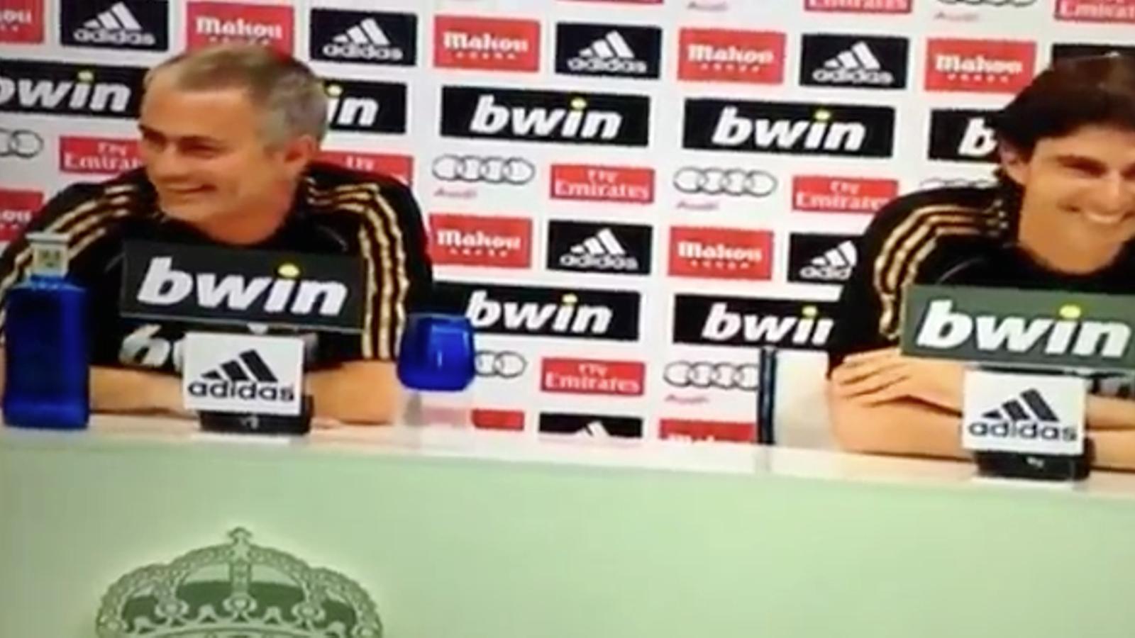 Mourinho es posa a cantar Karanka portuguès, Karanka portuguès!