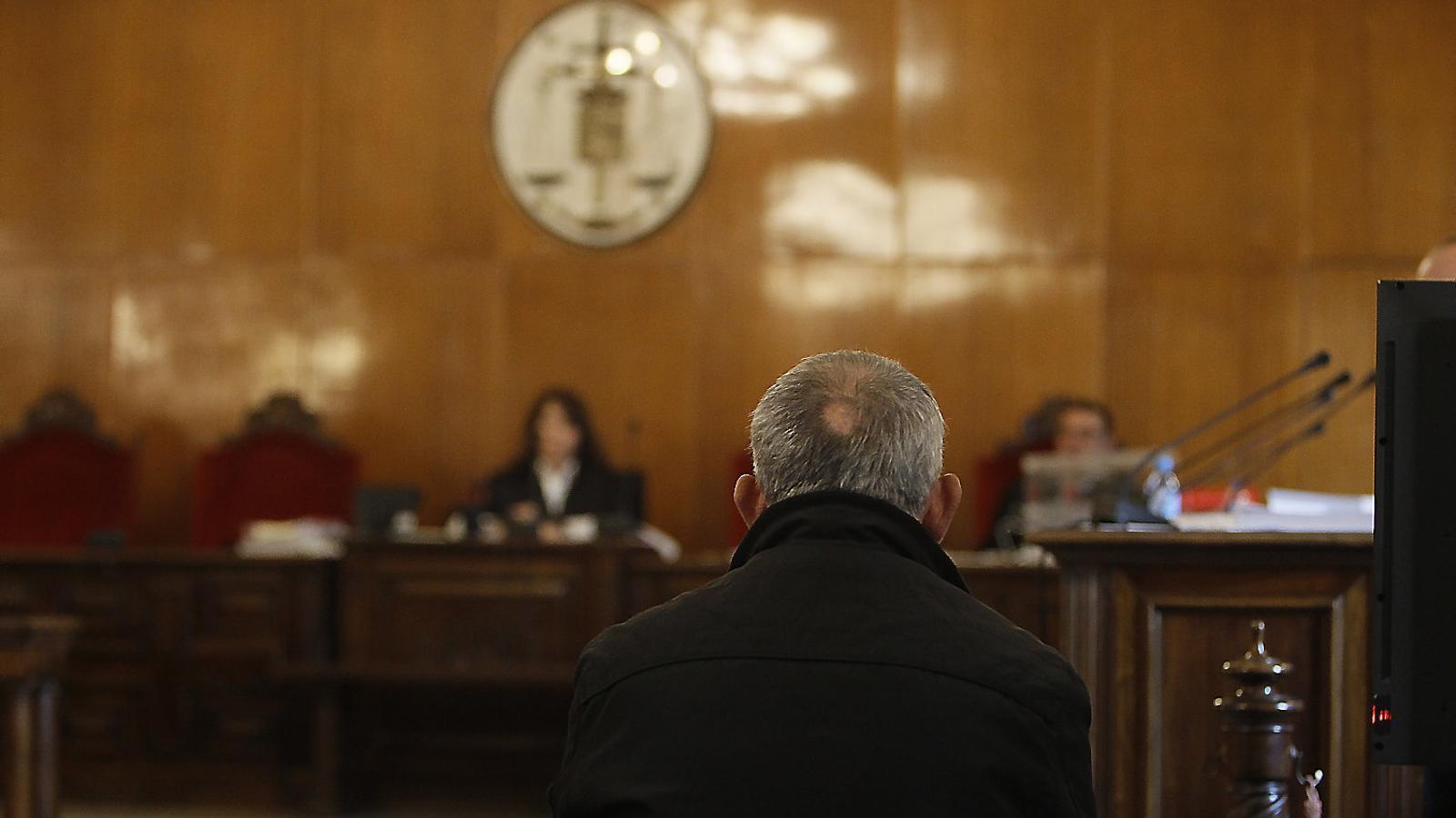 La investigació per denegació d'auxili a Patrascu segueix oberta