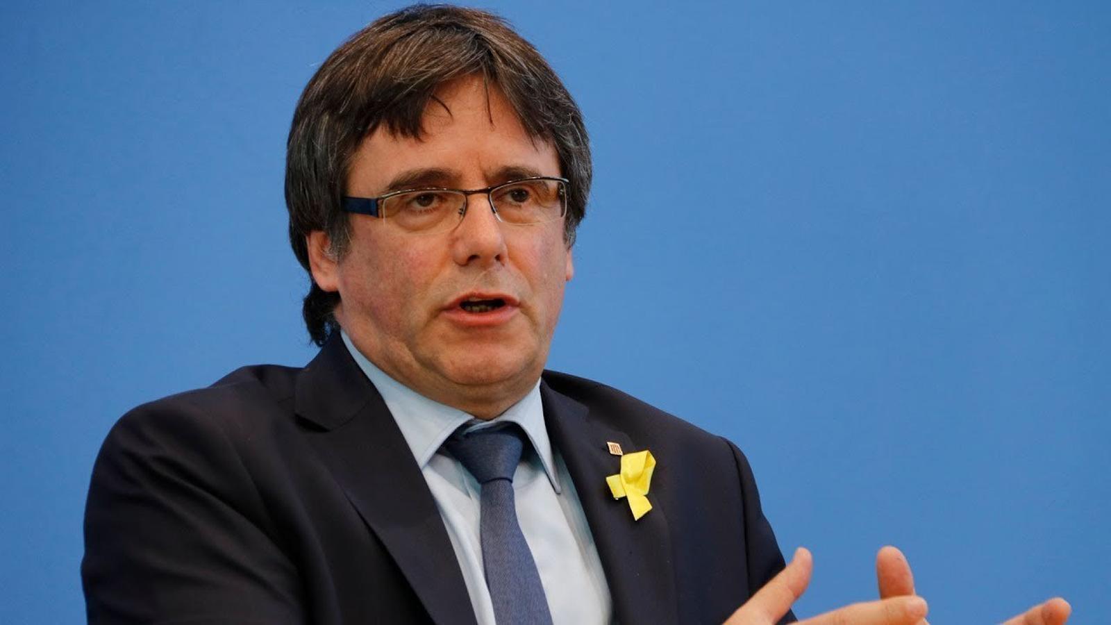 """Carles Puigdemont: """"No trigaré 20 anys a trepitjar territori català"""""""
