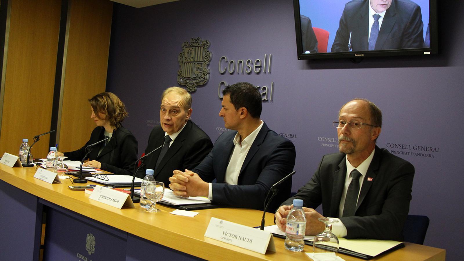 Els representants dels grups de l'oposició durant la roda de premsa conjunta. / M. M.