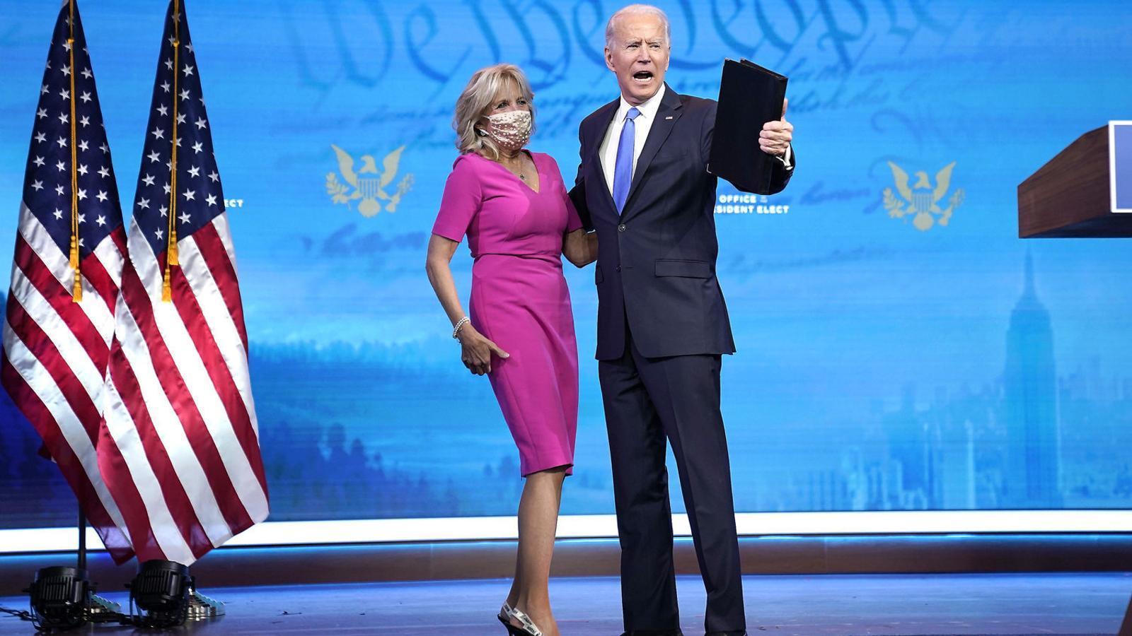 Joe Biden i la seva dona dilluns a la nit.
