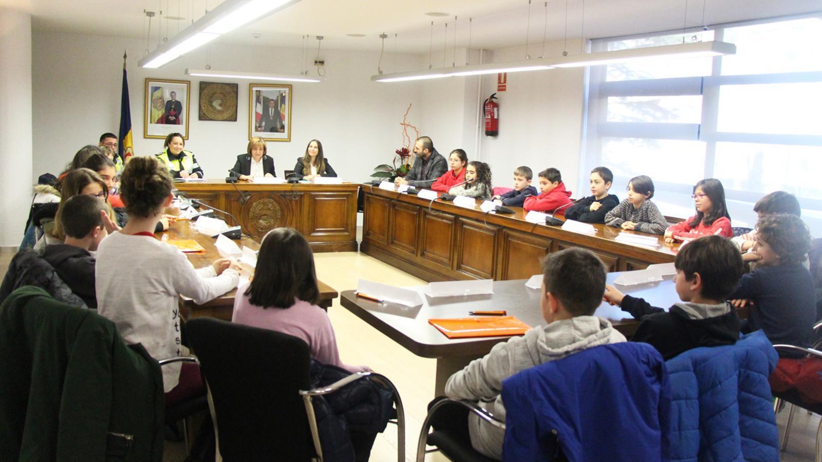 El comú d'Escaldes-Engordany ha celebrat la primera sessió del Consell d'infants del curs 2017-2018 aquest dimarts al matí. / E. J. M. (ANA)