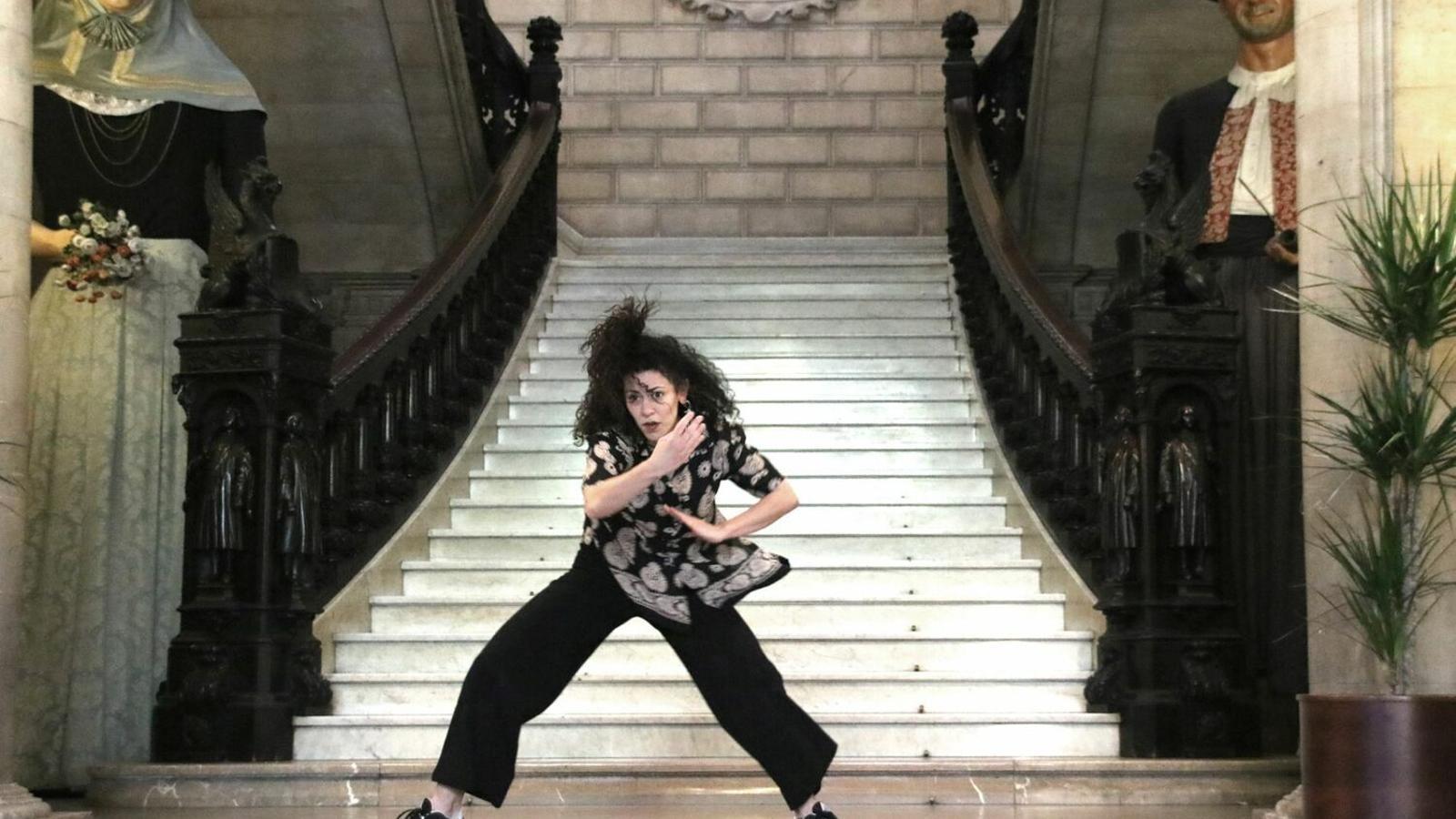 Imatge d'un Laura Llodrà durant una actuació en el PalmaDansa 2019