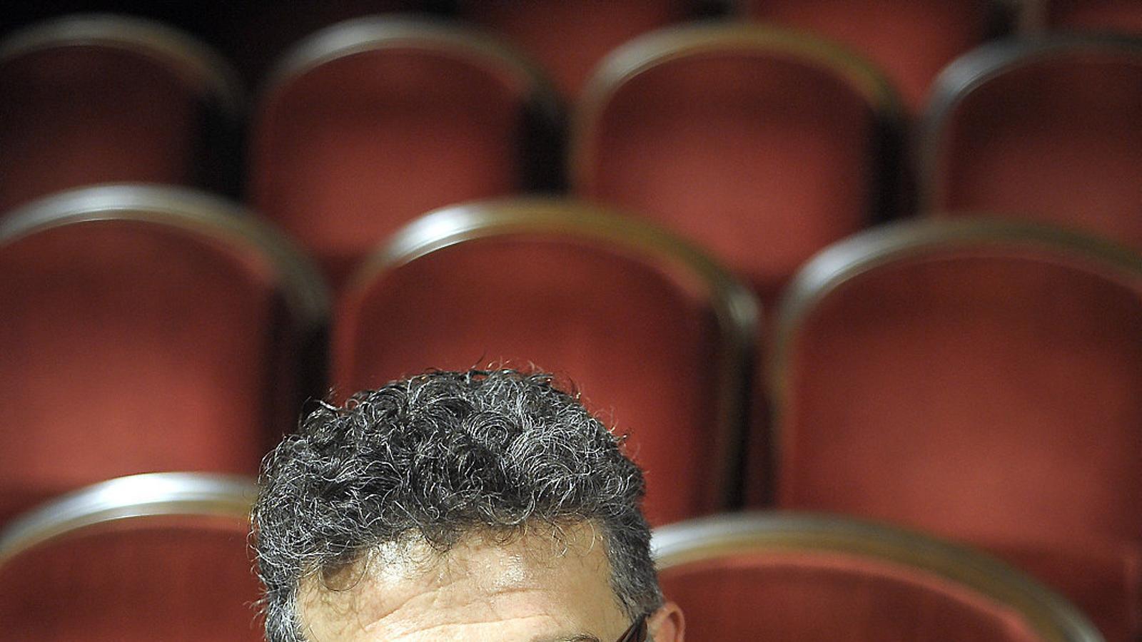 El dramaturg Carles Alberola guanya el 14è Premi de Teatre Planca i Roca amb l'obra 'Perquè t'estime, que si no...'