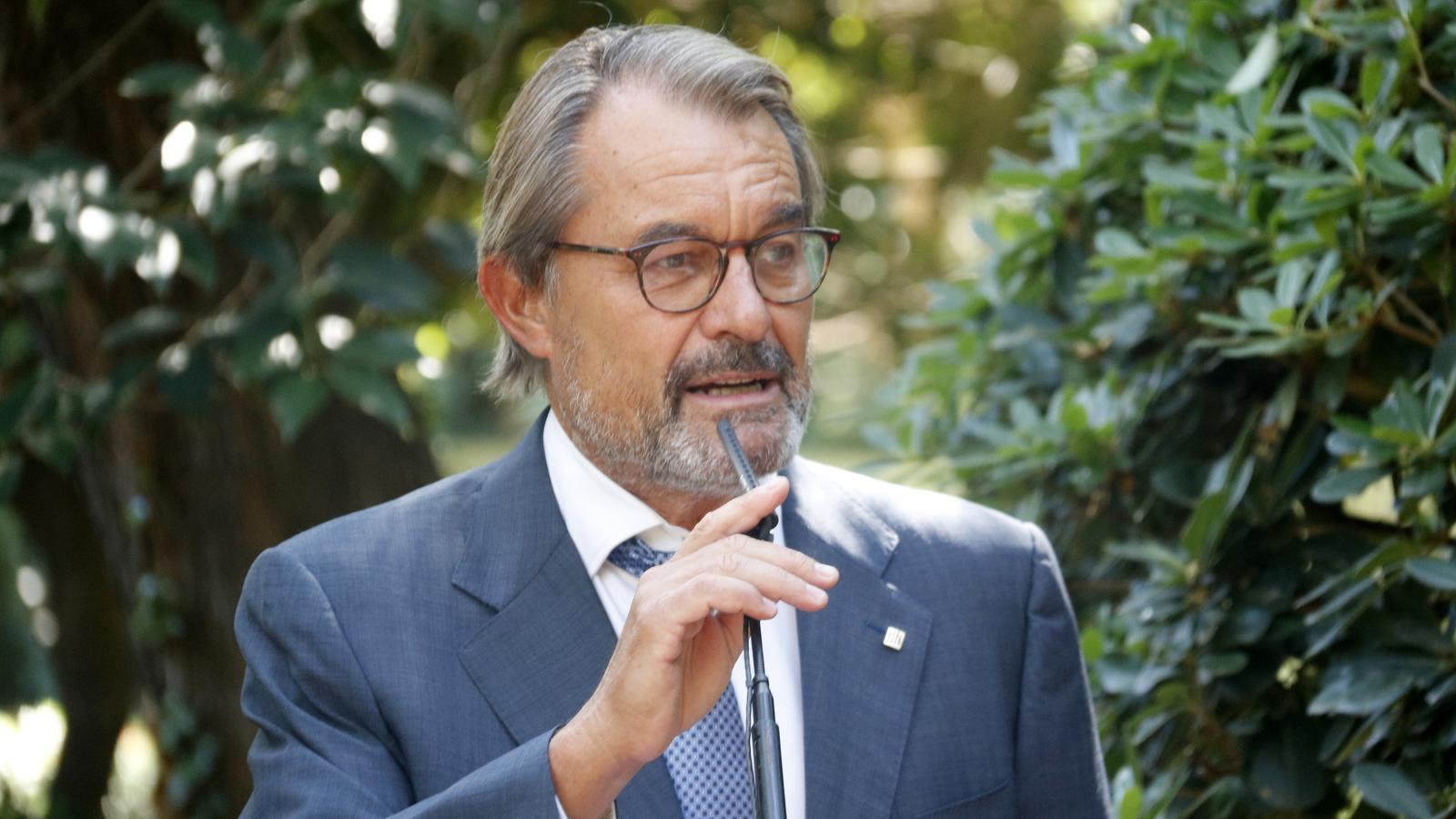 Mas descarta sumar-se a JxCat però deixa clar que no s'enfrontarà electoralment a Puigdemont