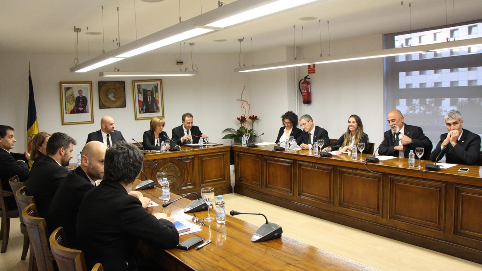 Un moment de la sessió de consell de comú d'Escaldes-Engordany d'aquest dilluns. / M. T. (ANA)