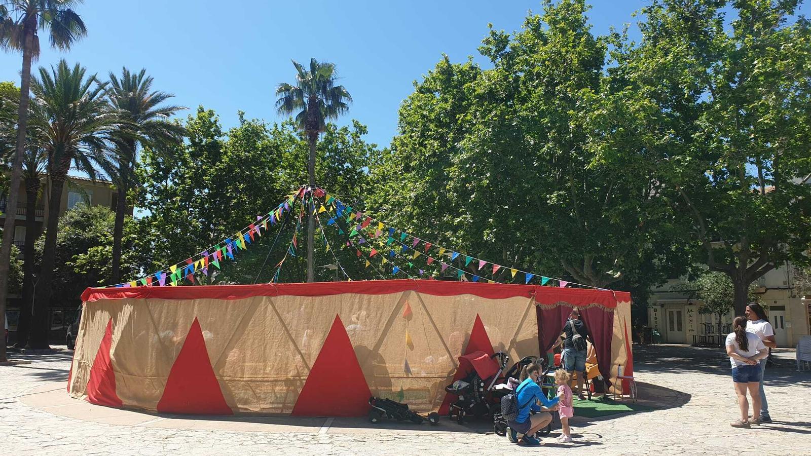 El Circ Bover commemora el 15è aniversari de la companyia rememorant els seus inicis com a circ itinerant