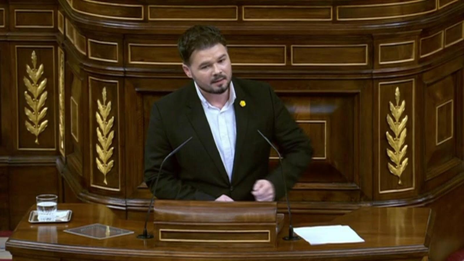 """Rufián retreu a Sánchez que no confinés Madrid i li recorda que """"els hospitals no necessiten militars, sinó més mitjans"""""""