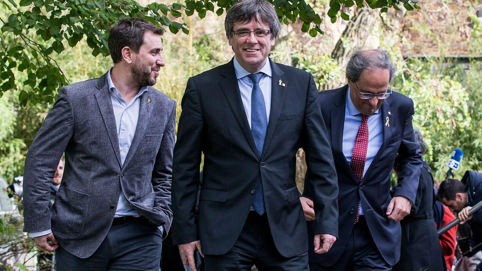 Toni Comín i Carles Puigdemont en una imatge d'arxiu. / STEPHANIE LECOCQ / EPA